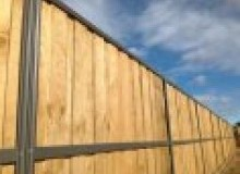 Kwikfynd Lap and Cap Timber Fencing acaciaridge